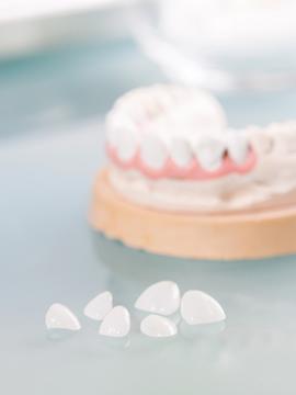 数本の歯を失った方、差し歯が取れてしまった方